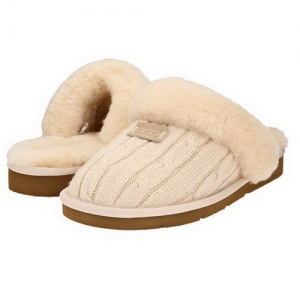 UGG Cozy Knit Cable Cream